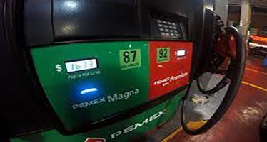 Precios de petróleo han bajado y gasolina podría seguir tendencia