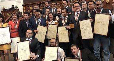 ALDF entrega presea al mérito periodístico