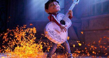"""""""Coco"""" gana Oscar a mejor cinta animada"""