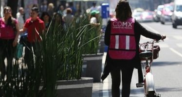 Hoy regalarán placas reflejantes a ciclistas de la Ciudad de México
