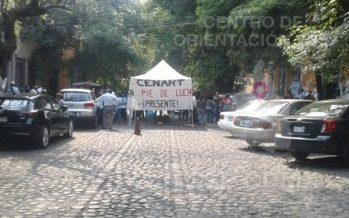 Manifestantes bloquean avenida Universidad con Arenal