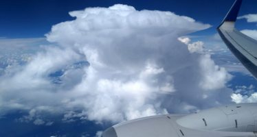 Presentan herramienta de alerta meteorológica para vuelos