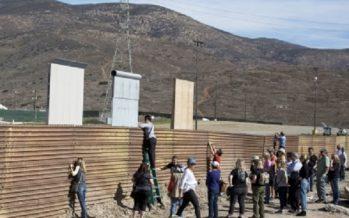 Supervisa Trump prototipos de muro, ante expectativa mexicana