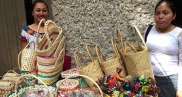 Regateo a artesanos, una mala práctica de los mexicanos