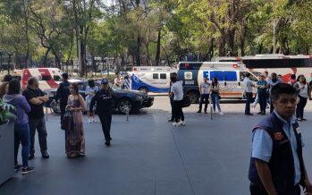 Reportan movilización policiaca en centro comercial de Reforma