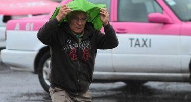 Activan alertas amarilla y naranja en la capital por fuertes lluvias