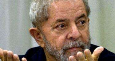 Expira plazo para que Lula se entregue a la policía