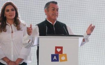 Firma Rodríguez Calderón Pacto por la Infancia