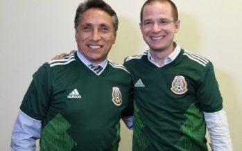 Ricardo Anaya y Manuel Negrete dialogan sobre fútbol