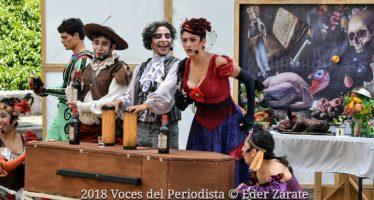 """""""Un banquete para el difunto Don Quijote"""", teatro de calle con una reflexión colectiva sobre la vida y la muerte"""