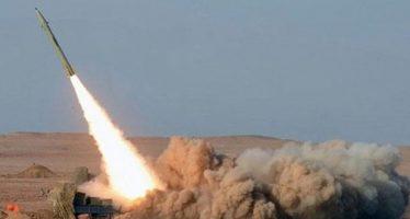 Ejército yemení ataca campamento de las fuerzas del régimen saudí