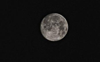 China coloca un satélite en lado oscuro de la Luna