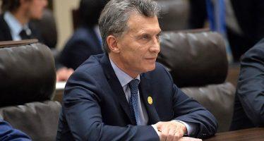 Macri anuncia que Argentina pedirá un préstamo al FMI