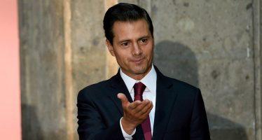 Peña Nieto acude a 59 Semana de la Radio y Televisión