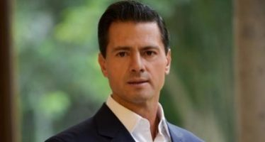 EPN se congratula por ganar sede compartida del Mundial 2026