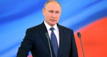 Putin promete paz y bienestar al asumir mandato presidencial