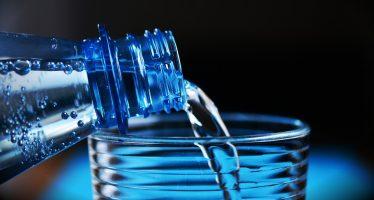Por calor, tomar dos litros de agua, mínimo, al día