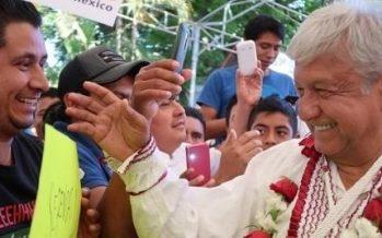 Celebra López Obrador declaraciones de INE y Tribunal
