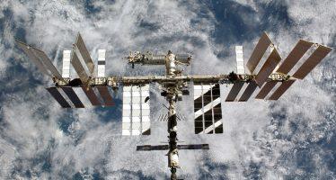 Cosmonauta ruso entrega mando de la EEI a astronauta de la NASA