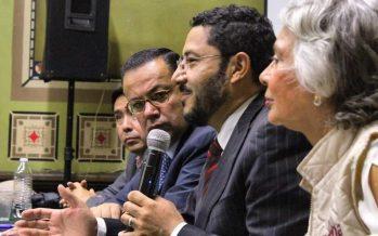 """Presenta Martí Batres su libro """"Morena y su identidad política"""""""