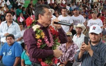 Reducir brecha de género en Chiapas, promete Rutilio Escandón