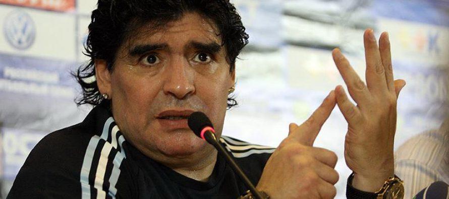 ¡Tómala!: Maradona crítica sede mundialista dada a México