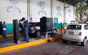 Amplían el plazo para verificar autos con engomado verde