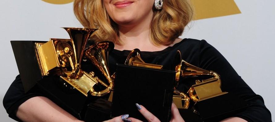 Adele, la artista más exitosa del año 2015, según reporte de IFPI