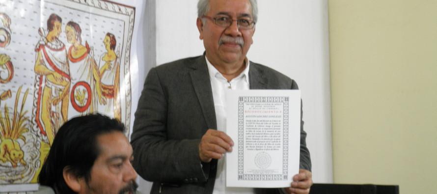 Se recordó al caricaturista David Carrillo en la Feria del Libro de Ocasión