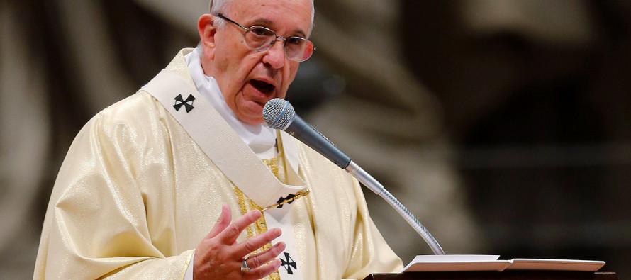 """""""Levantar muros no es cristiano"""", dice el Papa a Donald Trump"""