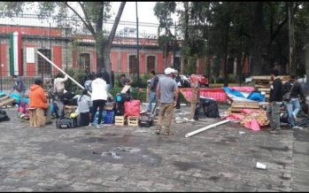 Maestros de Chiapas retiran plantón que mantenían en La Ciudadela