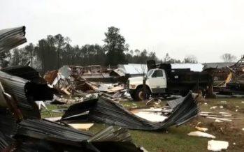 Fuertes tormentas en el sur de EU han dejado al menos 20 muertos