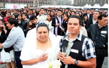 Invita gobierno de la CDMX a que se casen parejas en 'megaboda' del Zócalo