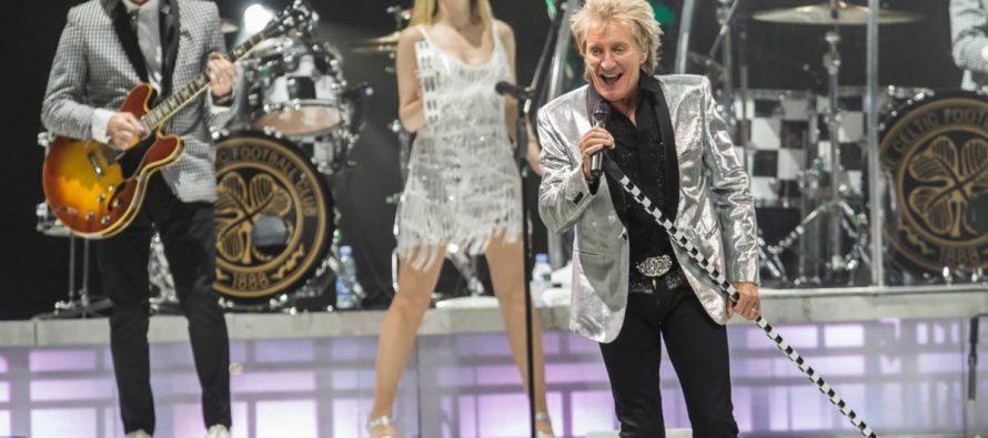 Rod Stewart prendió a su público en el Palacio de los Deportes