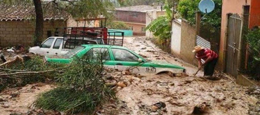 Una persona desaparecida y 40 viviendas dañadas por tromba en Cañada de Oaxaca