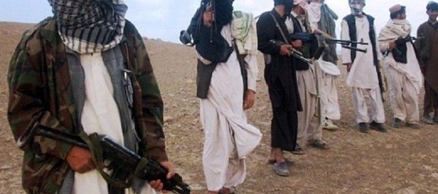 Al menos 80 insurgentes murieron en combates entre talibanes y el EI, en Afganistán