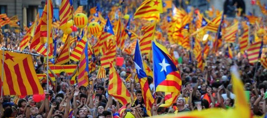 Cataluña someterá a referéndum decisión separatista, el 1° de octubre