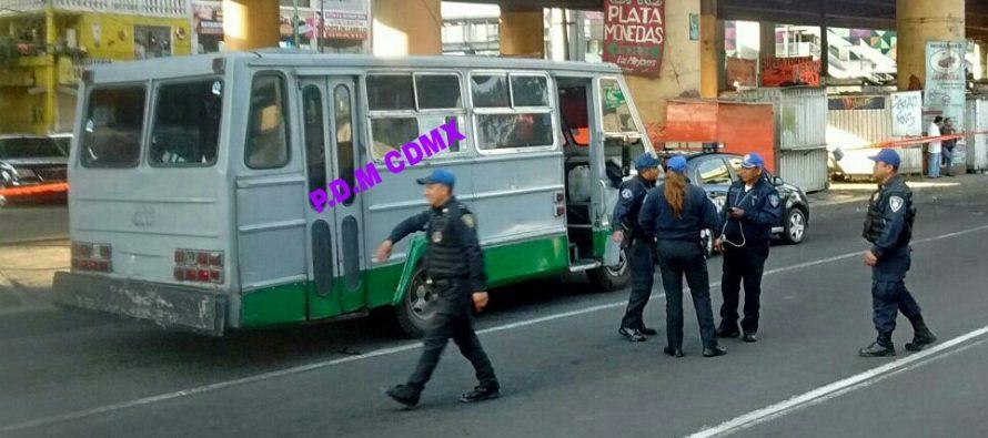 Asalto a microbús en Avenida Tláhuac causa un muerto