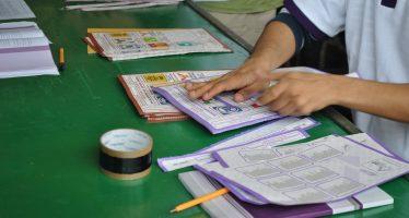 Chocan AMLO y Meade por autoridades electorales