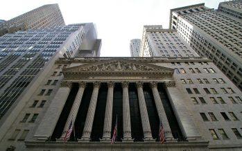 Jefes ejecutivos de firmas en EE.UU. ganan 15,6 millones
