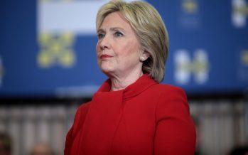 Revela Assange la conexión electoral Hillary-Facebook