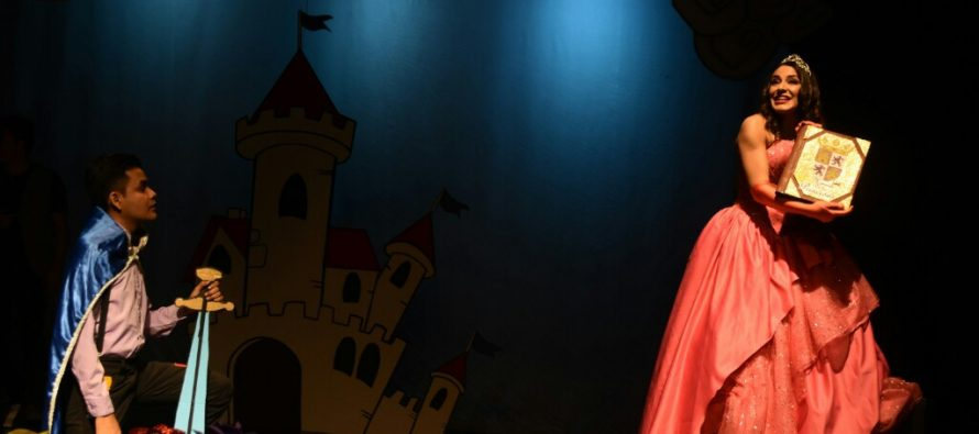 La Compañía Puro Bolillo Teatro cumple seis años, y lo celebra con presentación