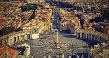 """El Vaticano encubrió a más de 300 """"sacerdotes depredadores"""" acusados de abusos sexuales"""