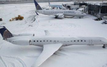 Cancelan mil vuelos sur y noreste de EUA, por nevadas