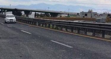 Bomberos atienden incendio de basura en autopista México-Puebla