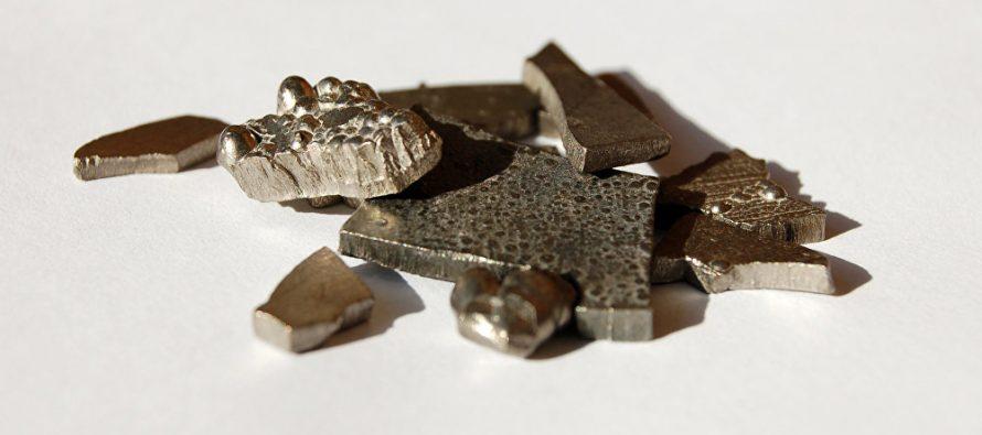 Mineral amenaza producción de 'smartphones' y autos eléctricos