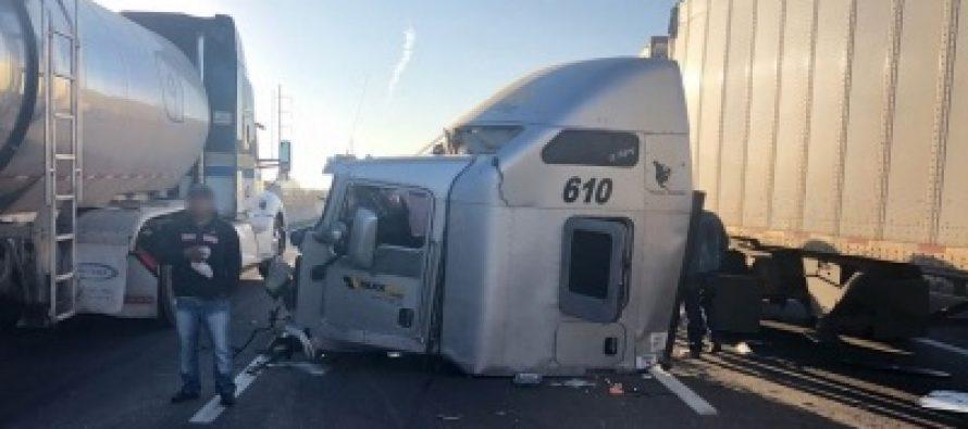 Continúa cierre en autopista México-Cuernavaca por accidente