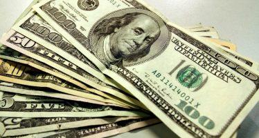 Dólar sitúa promedio en 18.57 pesos a la venta en aeropuerto capitalino