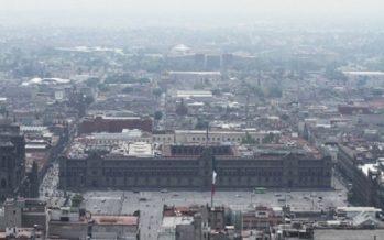 Debido a marcha, cierran durante dos horas accesos al Metro Zócalo