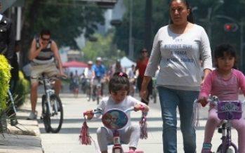 Domingo de cierres viales en calles capitalinas